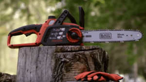 Black & Decker LCS1240 battery powered chainsaw