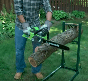 Greenworks 20312 Chainsaw in action