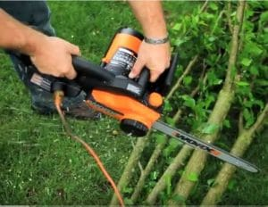 WORX WG303.1 16-Inch Chainsaw In Action